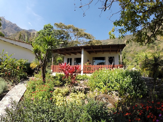 Vulcano Lodge's private garden cottage