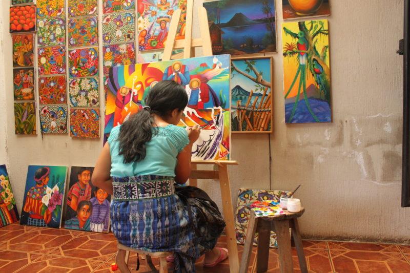guatemala-lady-painting