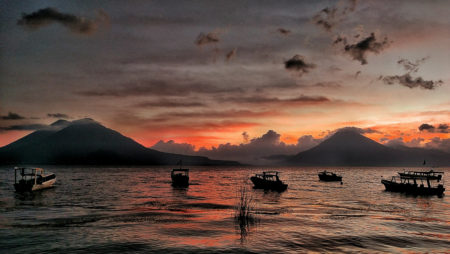 lancha-boats-lake-atitlan-sunset