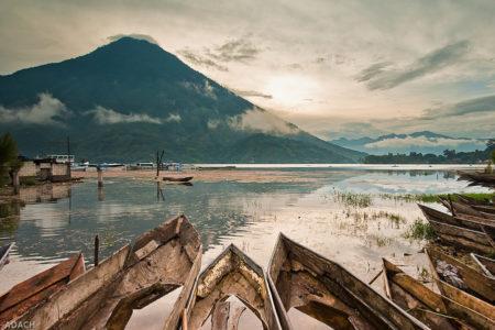Santiago-Lake-Atitlan-Guatemala-Volcanoes